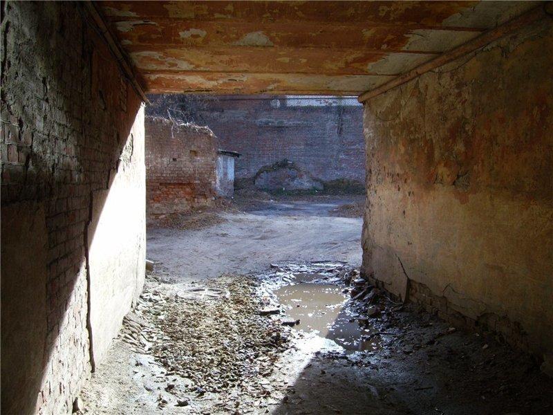 Почти как питерские дворики города, города украины, нищета, обратная сторона, разруха, трущобы, украина