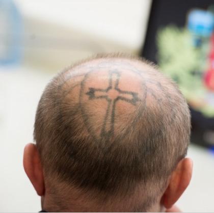 Депутат с татуировкой на гол…