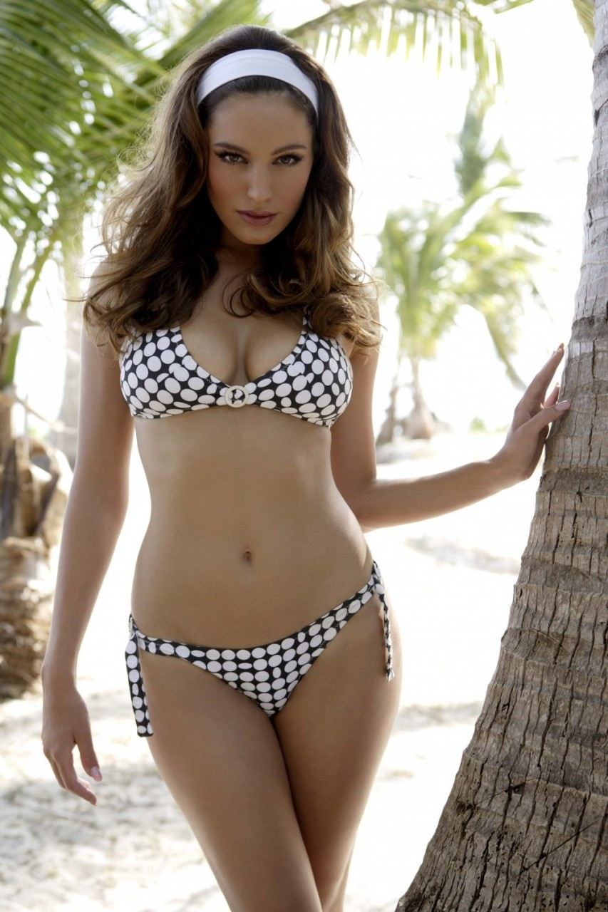 Kelly-Brook-29