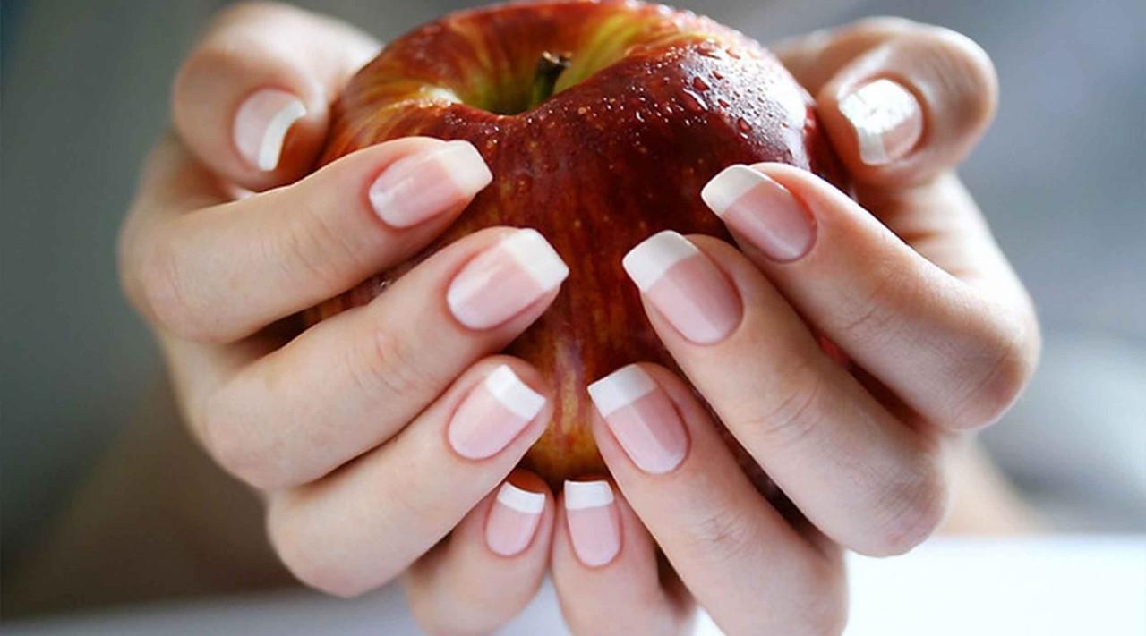 Всего 3 ингредиента помогут быстро отрастить крепкие и длинные ногти