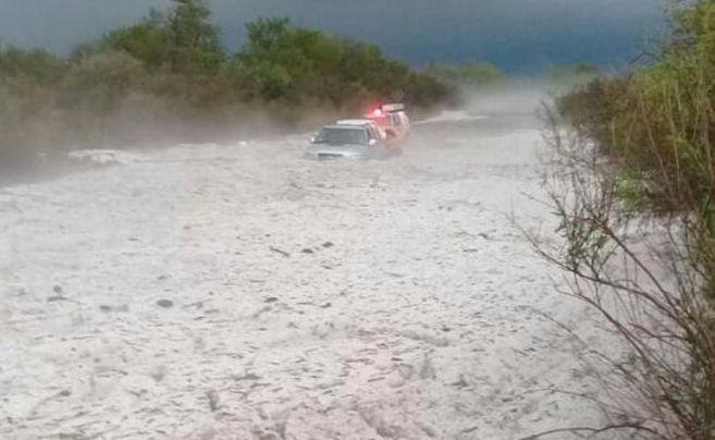 В Аргентине машины застряли в море града
