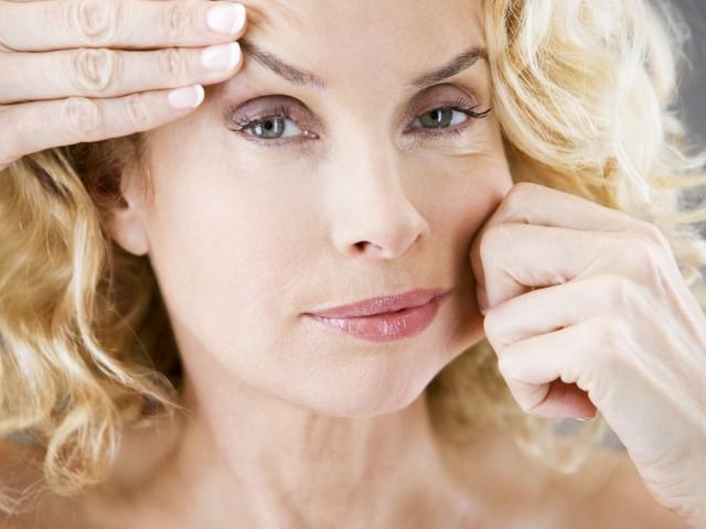 Как разгладить морщины: 7 лучших рецептов омолаживающих масок