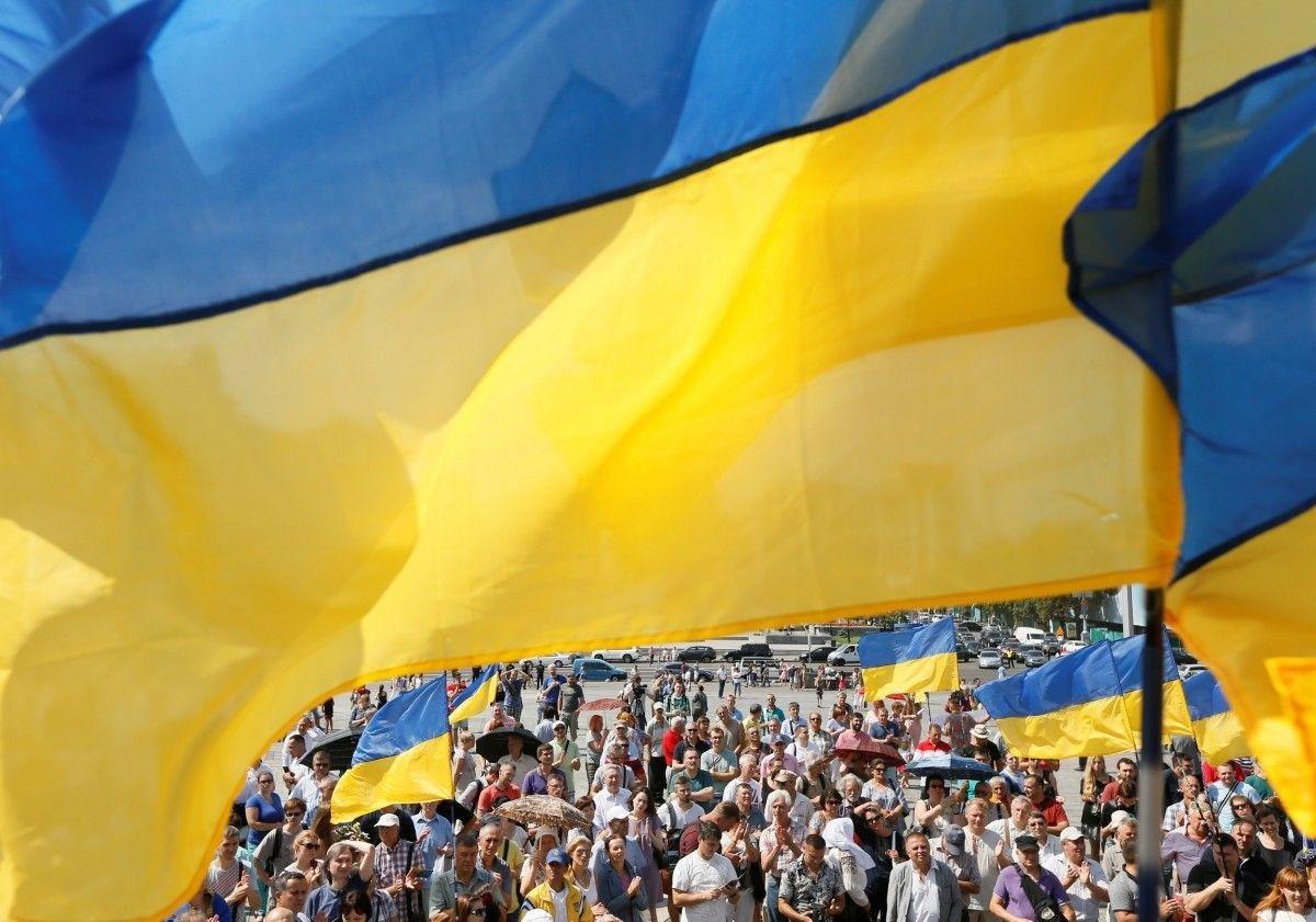 Три четверти украинцев считают, что страна идет по неверному пути – соцопрос