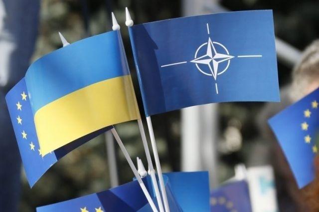 Азаров рассказал о сроках евроатлантической интеграции Украины