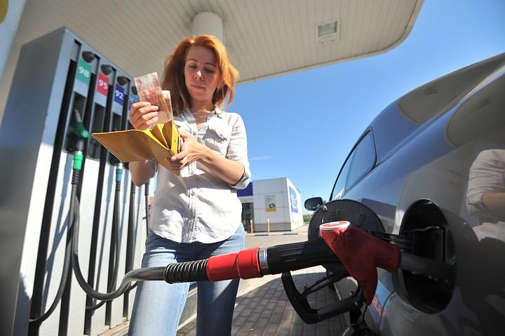 Эксперт назвал возможный рост цен на бензин вполне ожидаемым