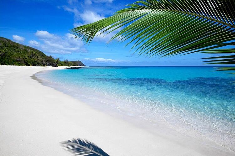 Самые удивительные пляжи планеты, среди которых есть даже стеклянный