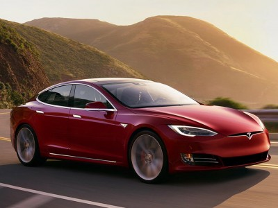 Электромобиль Tesla Model S …