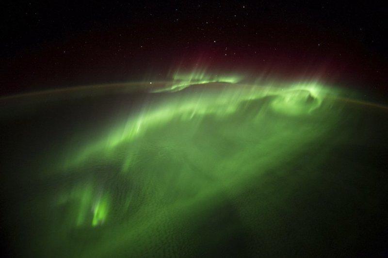 Полярное сияние из космоса земля, космос, красота, природа, фото