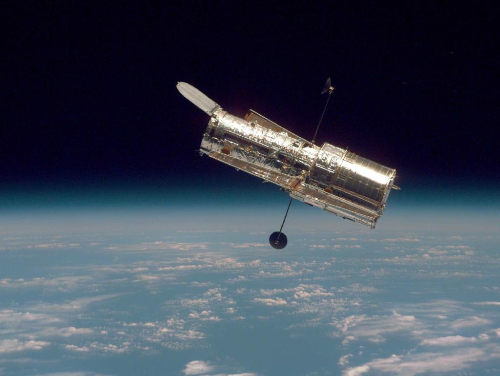 Большое фото путешествие в космос с телескопом Хаббл.
