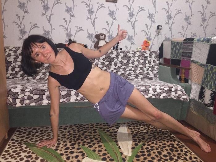 Как подтянуть живот в домашних условиях: пятерка простых упражнений