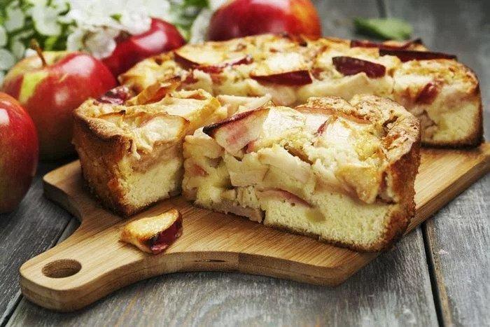 Клафути с яблоками