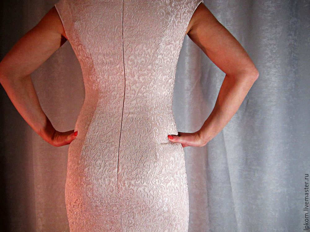 Дублирование шва спинки платья