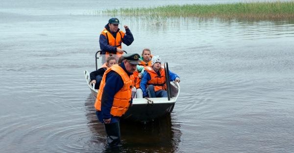 Во время трагедии в Карелии мальчик дозвонился до МЧС. Реакция спасателей обескураживает!