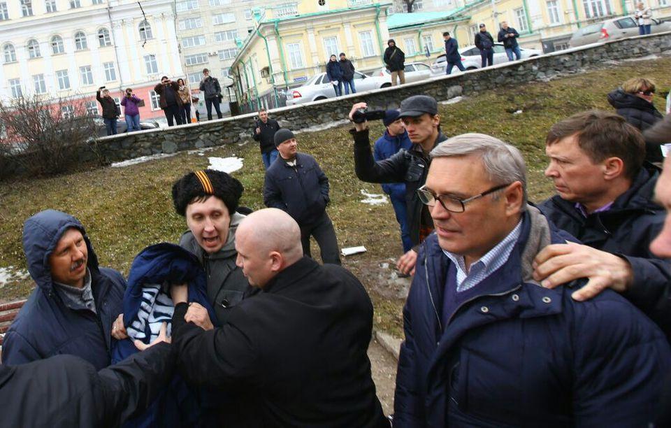 Михаил Касьянов разжился ватником