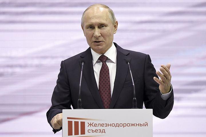 Песков: Путин пока не решил, как будет баллотироваться