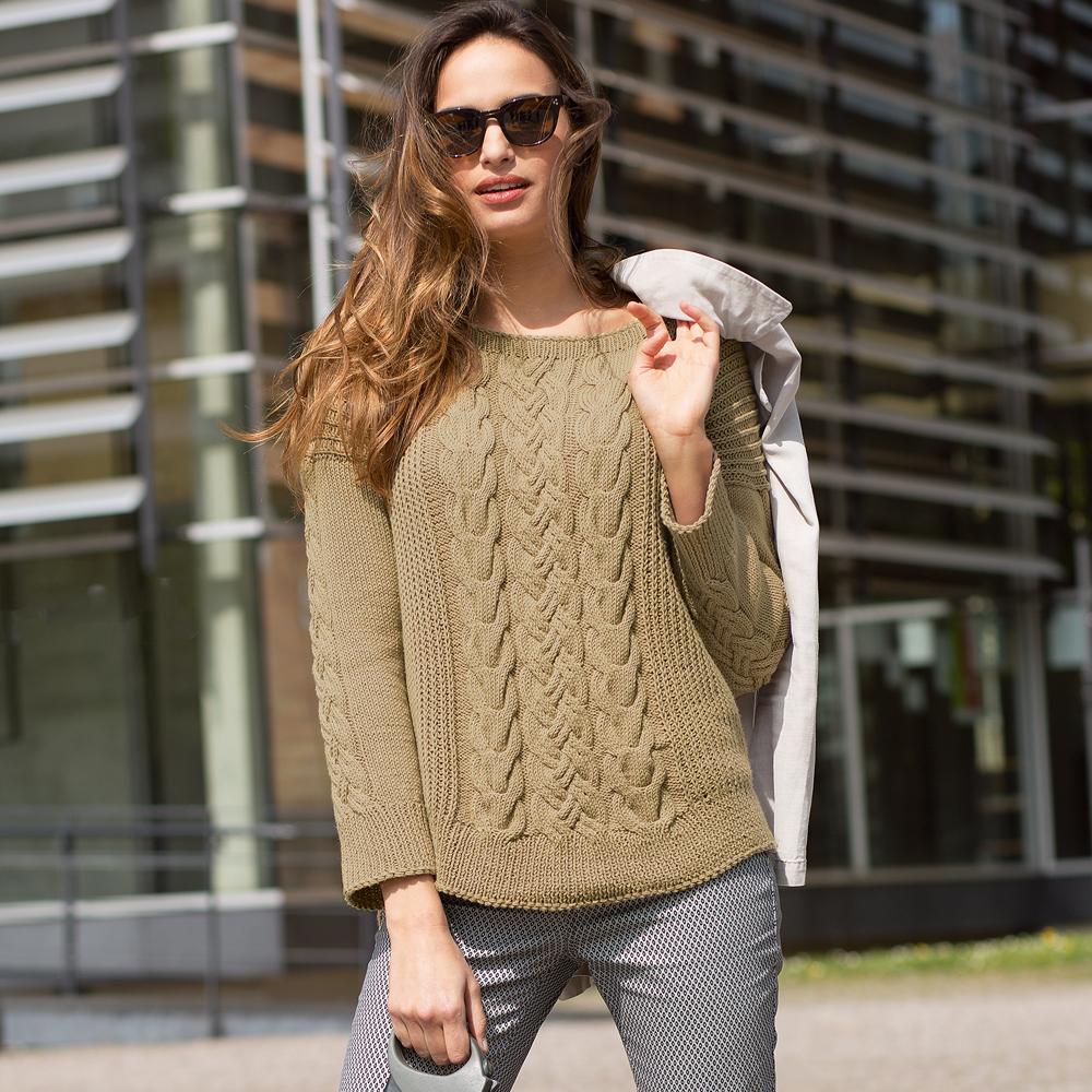 Модные вязаные женские свитера со схемами фото