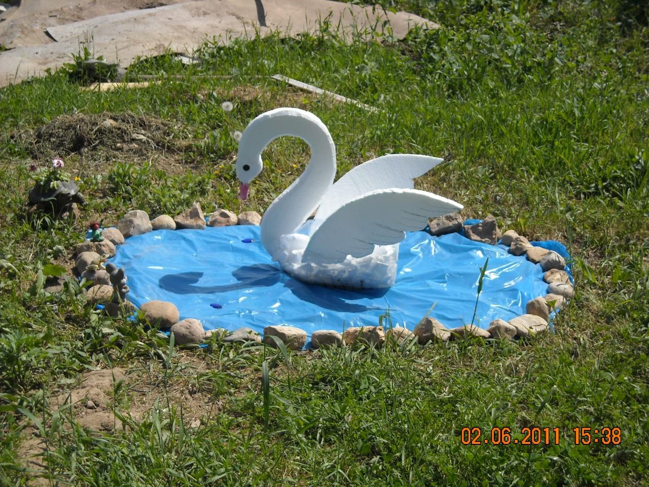 Как сделать лебедя для пруда своими руками 37