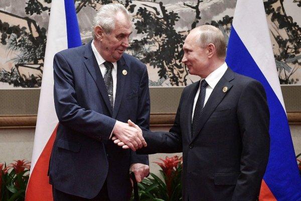 Чехия планирует наладить поставки тысячи тракторов в Россию
