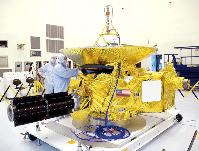 Космический аппарат «Новые горизонты» пересек орбиту Нептуна