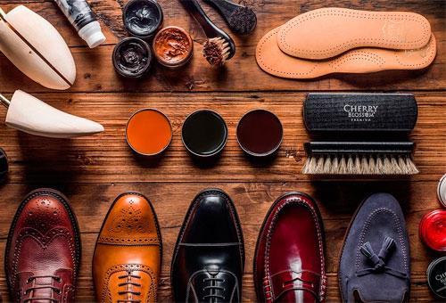 Как правильно ухаживать и чистить обувь из замши от грязи, соли, излишков влаги и песчаных отложений на швах?