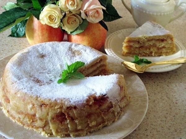 Болгарский яблочный пирог «3 стакана»