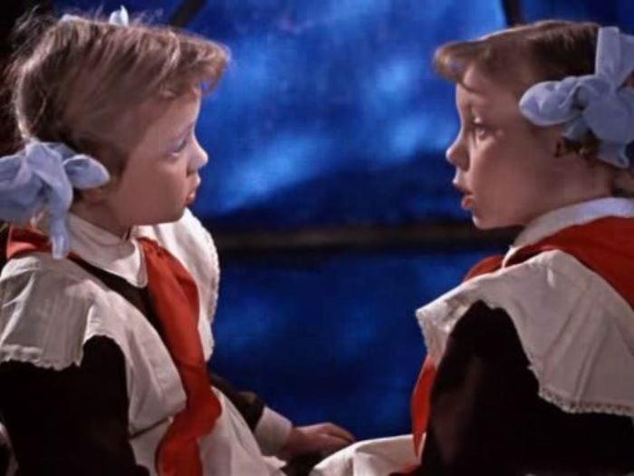 Оля и Яло, кадр из фильма *Королевство кривых зеркал*