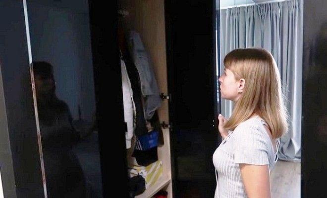 Шкаф для верхней одежды находится в основной комнате Фото samodelkinoinfo