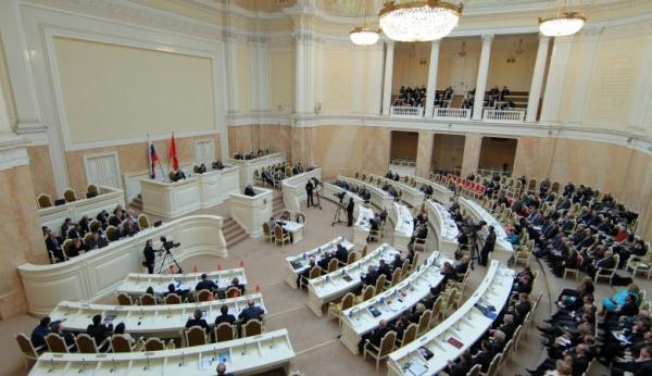 ВПетербурге определяются среферендумом против «церковной реституции»