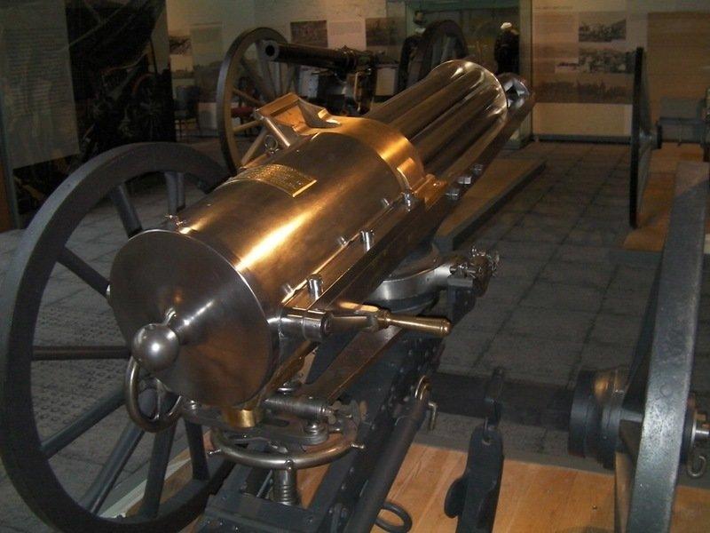 Старшая сестра пулемёта. Чем прославилась картечница Гатлинга? Ричард Джордан Гатлинг, интересное, многоствольное скорострельное оружие