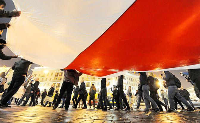Батьку Лукашенко может ждать судьба Януковича