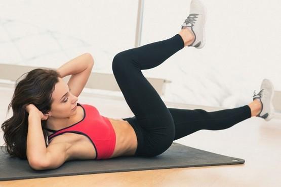 Упражнения для поддержания формы: простые и доступные в домашних условиях