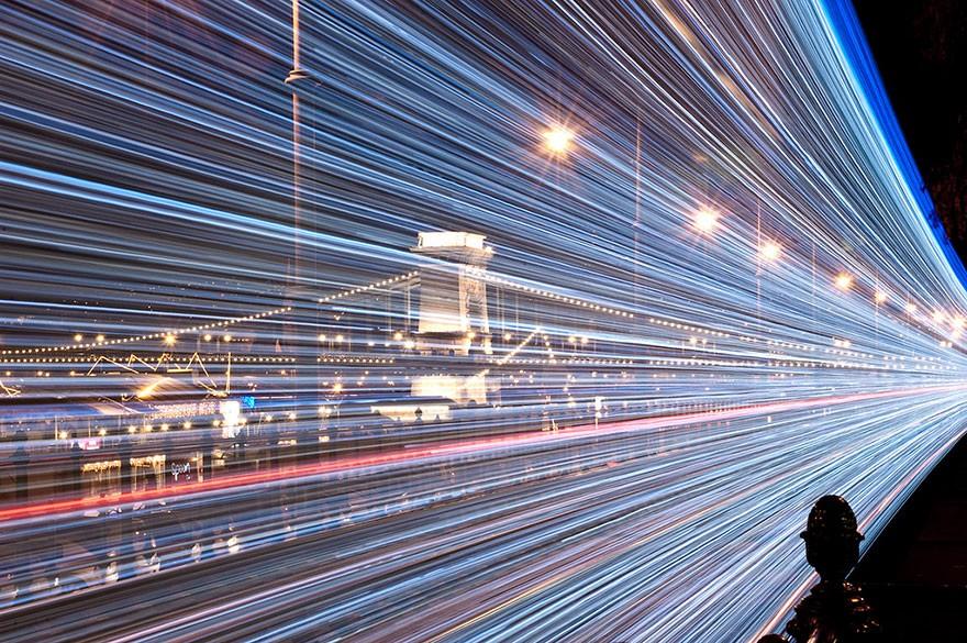 trams04 Чудесные светящиеся трамваи в ночном Будапеште
