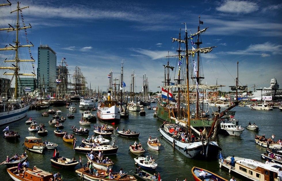 Фестиваль кораблей в Амстердаме