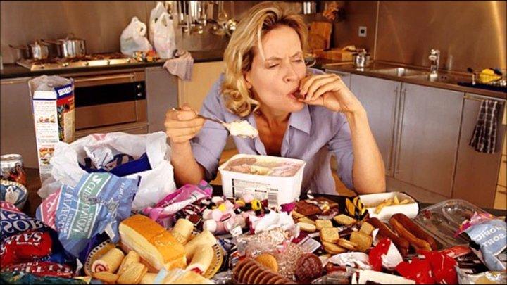 """""""Хочешь cъесть сковороду картошки — ешь!"""" Психолог о том, почему отказ от еды не помогает худеть"""