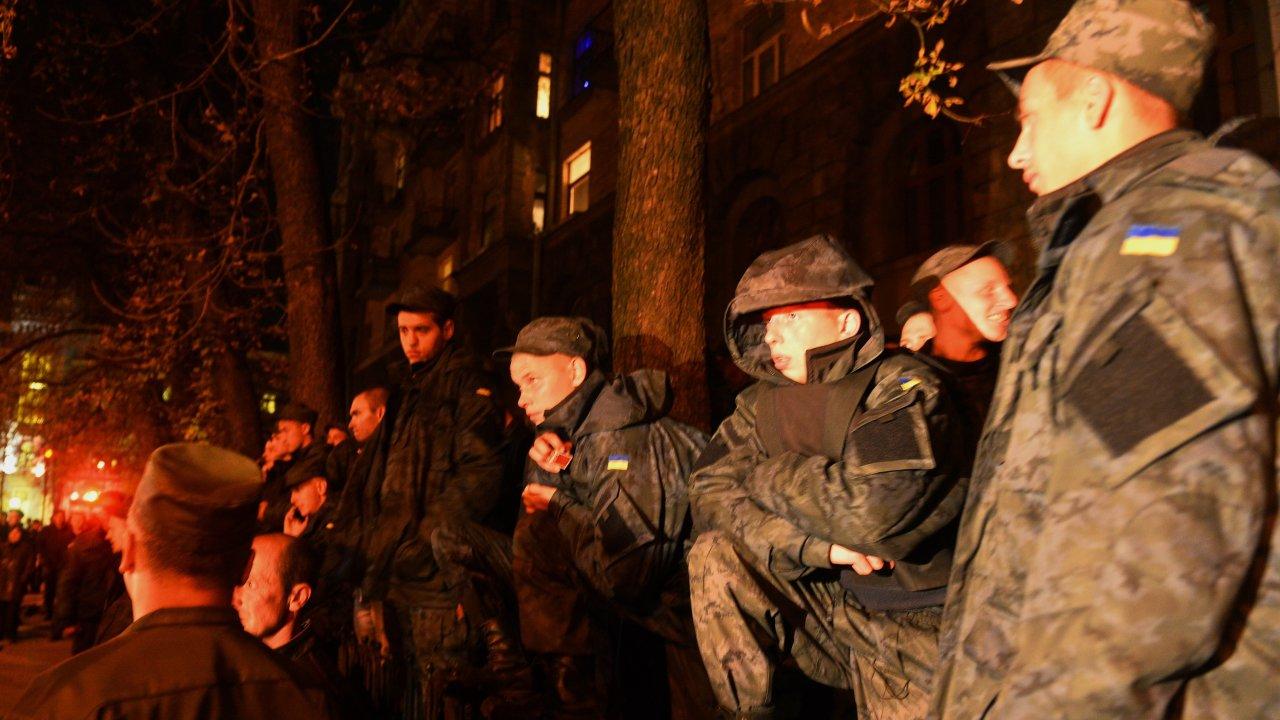 Марочко: рота украинских силовиков отказалась занимать позиции вдоль линии соприкосновения в Донбассе