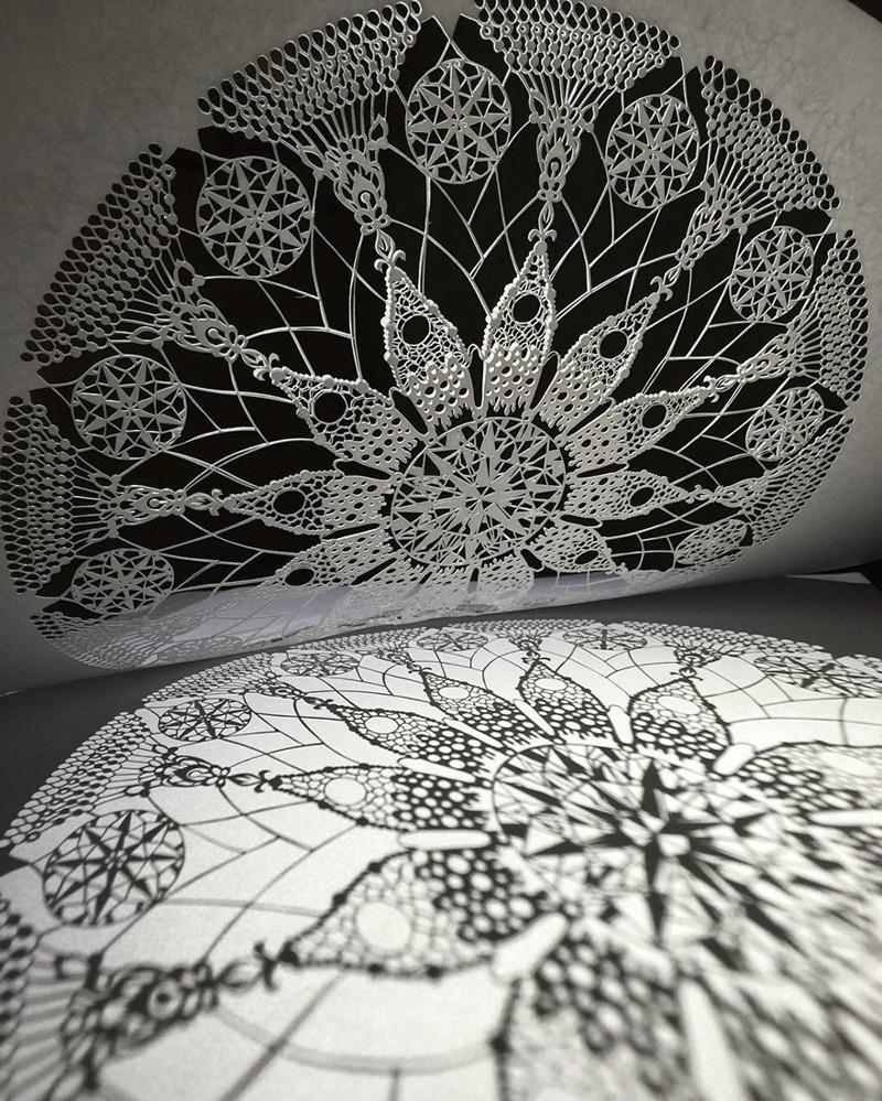 Двенадцать листьев (негатив) Мандалы, бумага, зентангл, художник