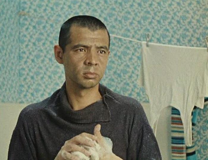 """Раднэр Муратов:  драматическая жизнь  """"джентльмена удачи"""""""