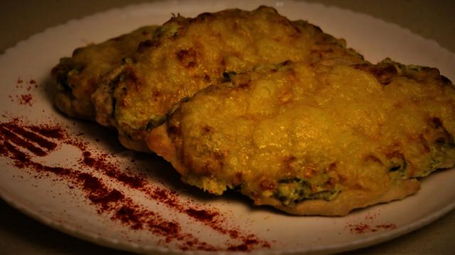 Фото к рецепту: Невероятно нежное куриное филе.