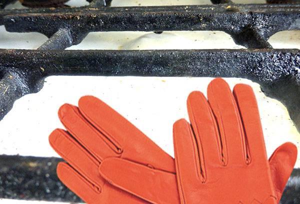Подготовка к чистке решетки газовой плиты