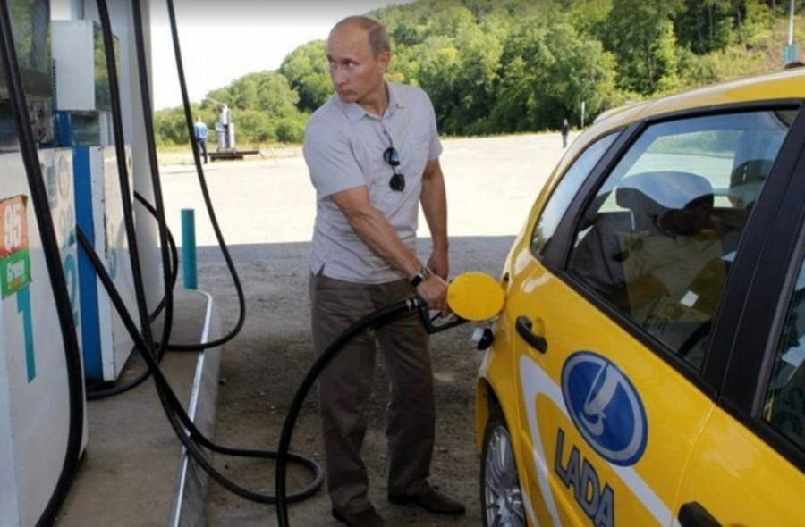 Россия - китайская бензоколонка!