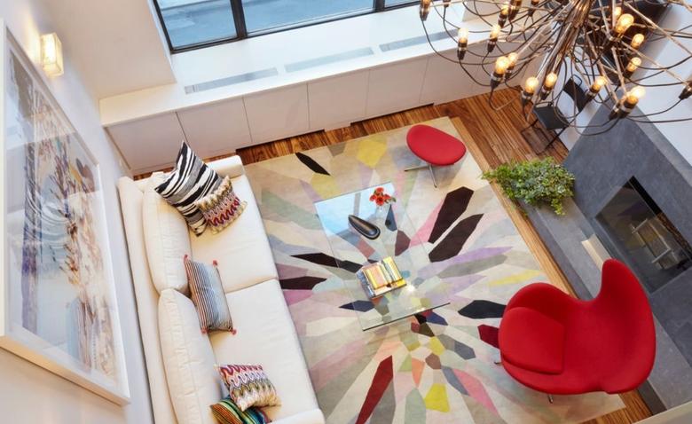 Très chic: красочная и светлая квартира на Манхэттене