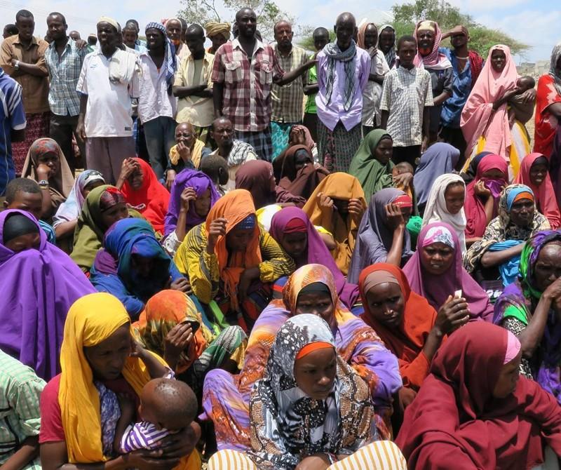 Женщины обязаны покрывать голову платком Могадишо, жители Сомали, сомали