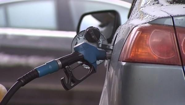Бензин в России совсем скоро перевалит за 50 рублей
