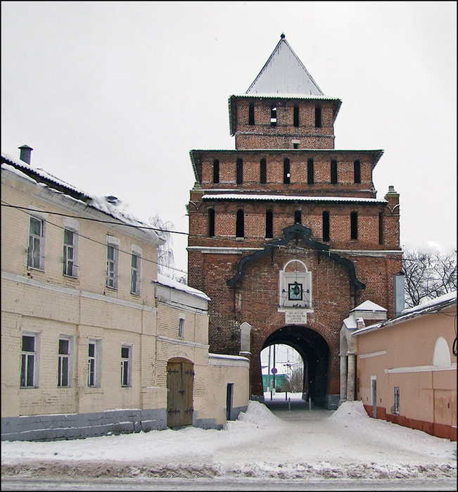 Пятницкая башня Коломенского Кремля/3673959_1 (651x700, 212Kb)