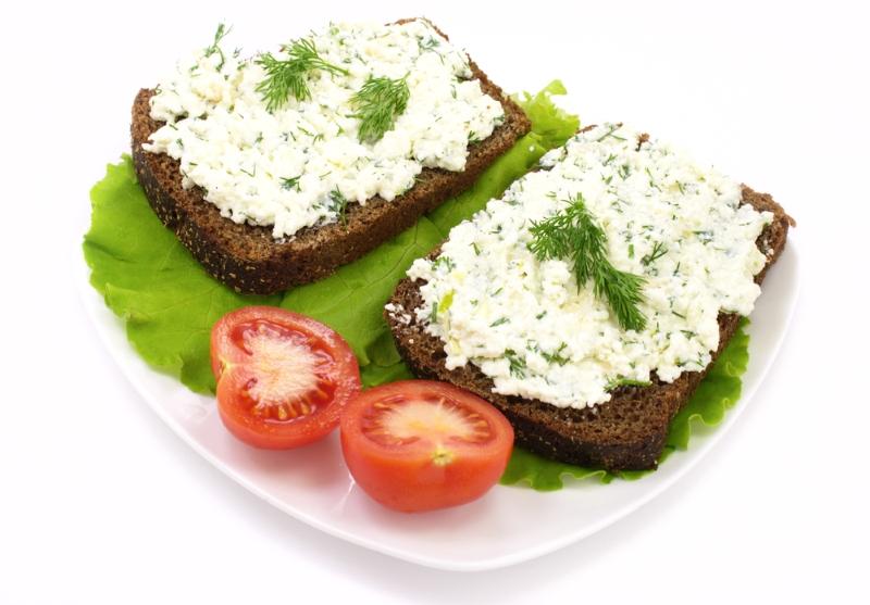 сыр с тмином и зеленью