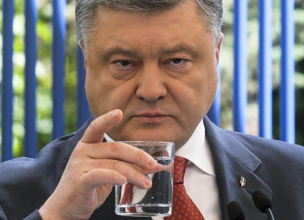 Александр Роджерс: Как Порошенко с Путиным борется