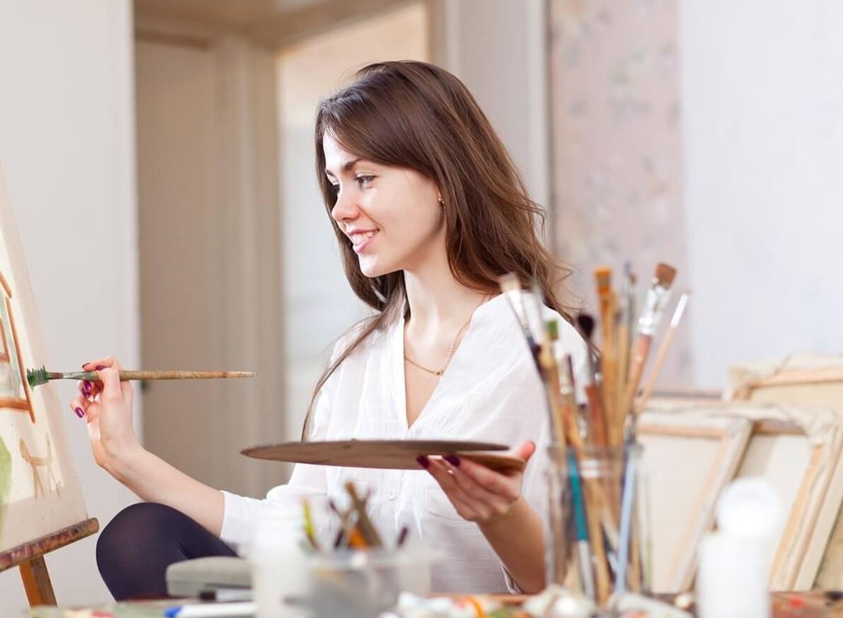 Фото как девушки рисуют
