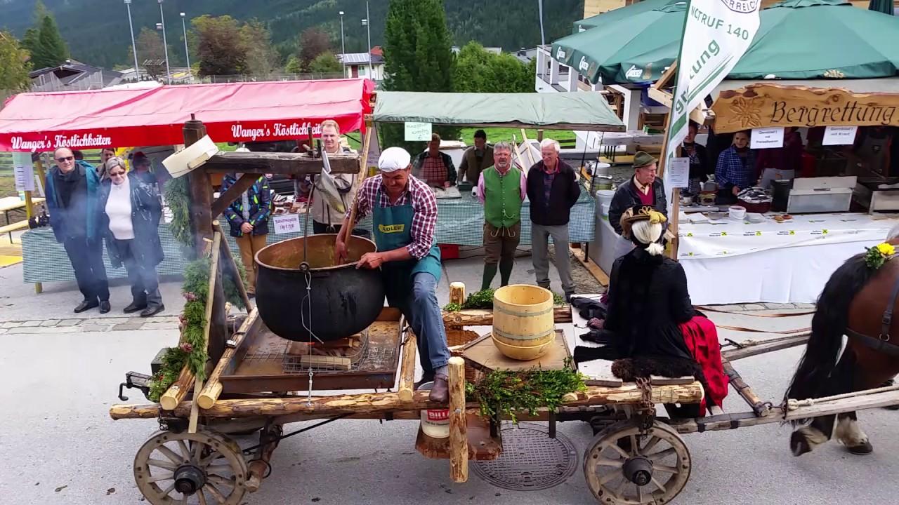 Уличные фестивали в Европе могут облагородить только русские