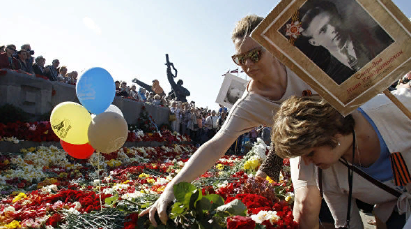 """Организатор """"Бессмертного полка"""" в Риге: власти считают нас оккупантами"""