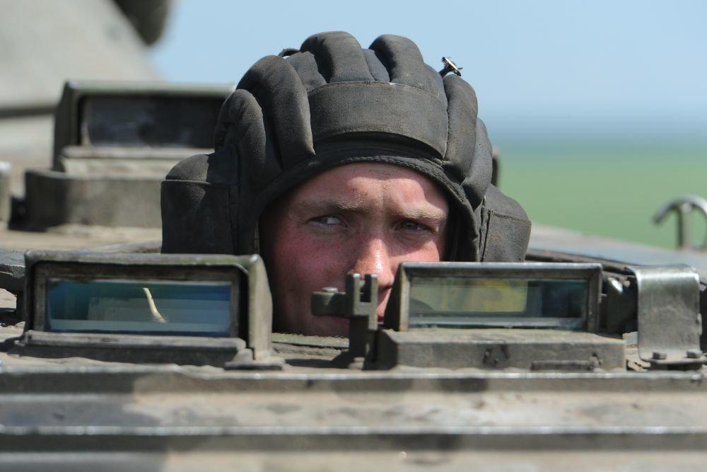 Смоленские танкисты получили комплекты защиты «Ковбой»